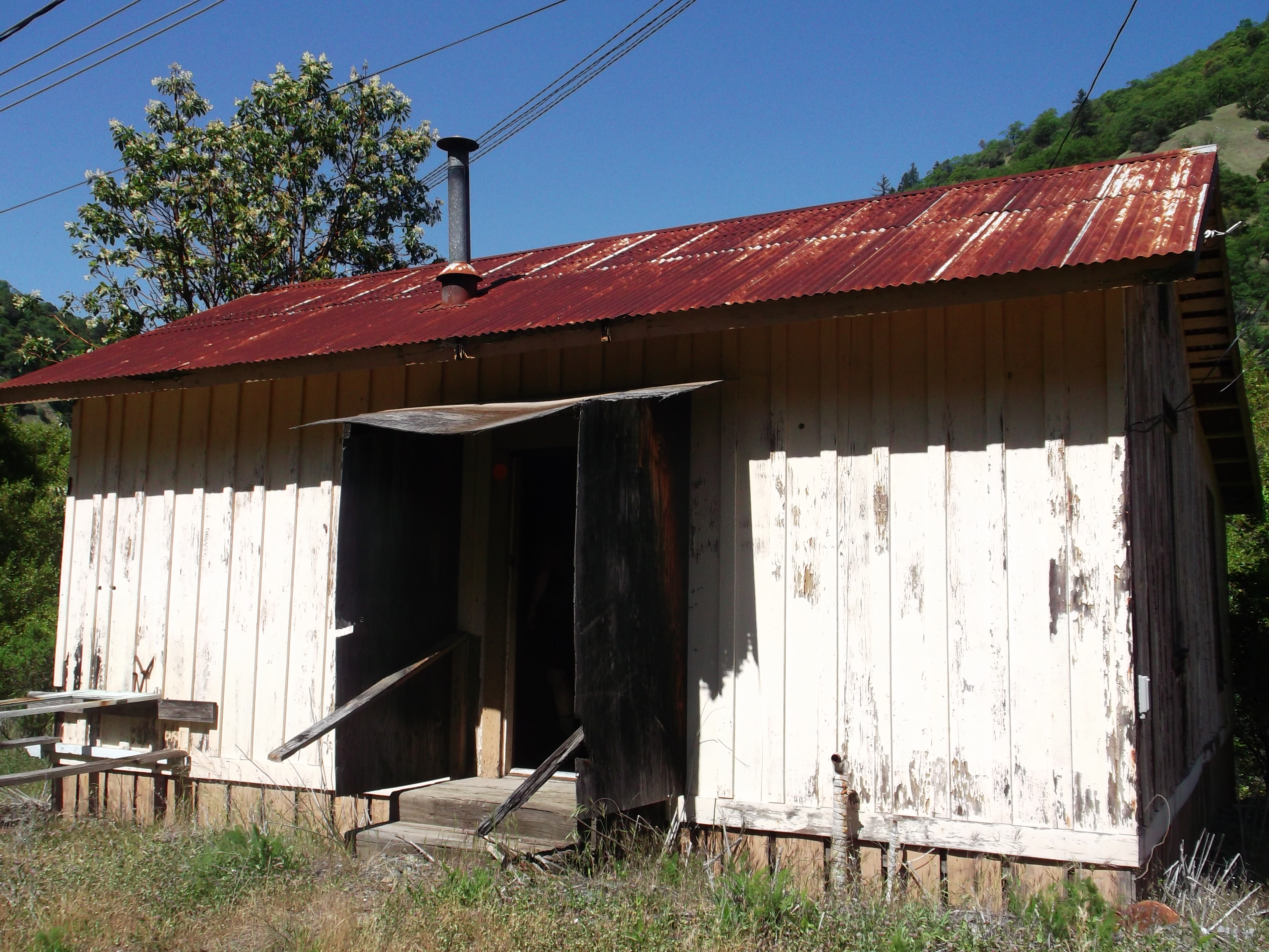 Once upon a time this ramshackle affair would have passed for a train station. (photo by D. Speredelozzi)