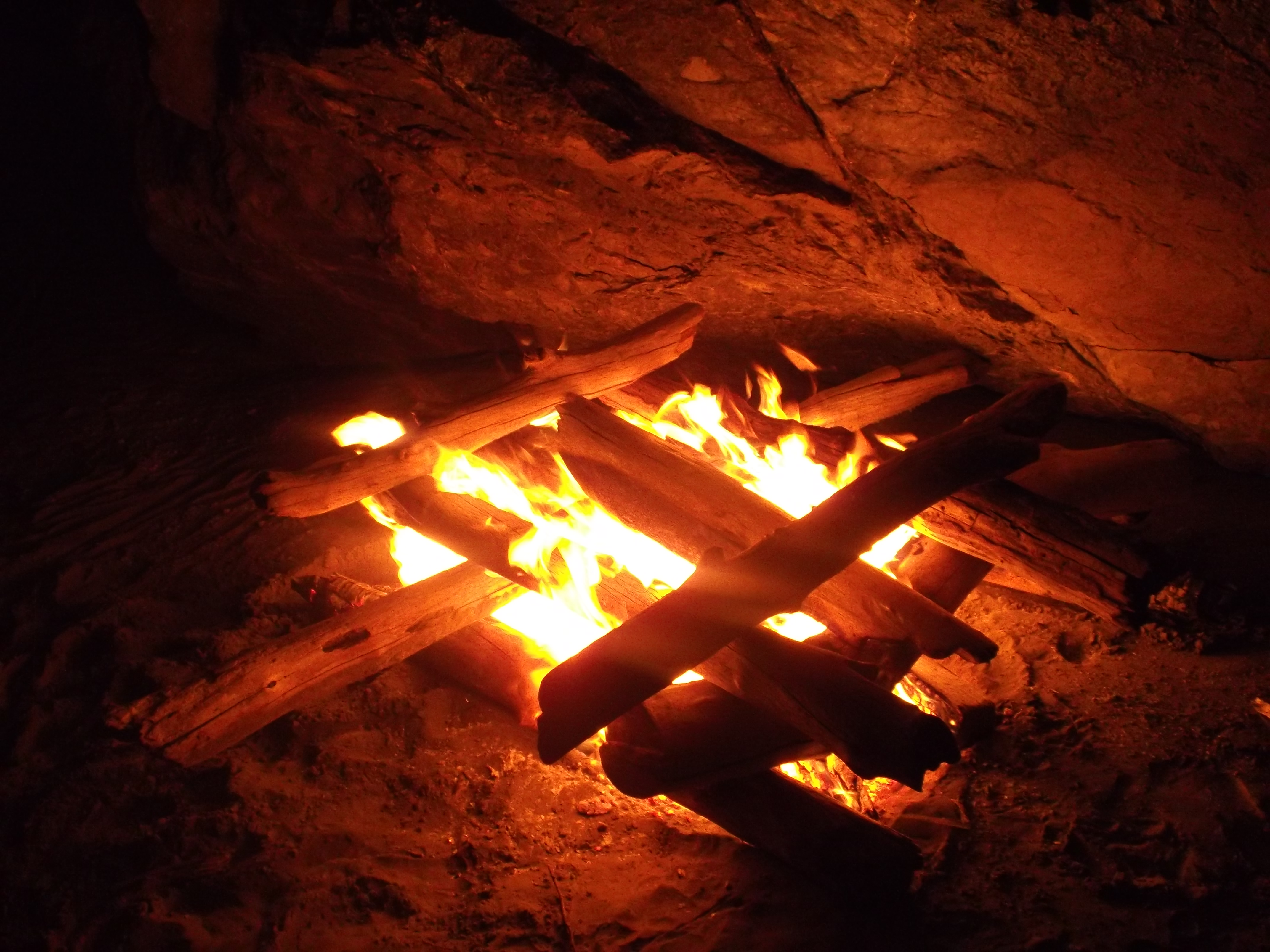 Listen up!! THIS is how you make a campfire on the beach. (photo by D. Speredelozzi)